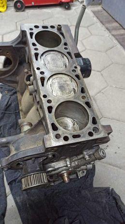 Двигатель опель вектра В объём 1.6  по запчастям