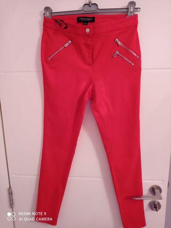 Нов червен ластичен панталон на Дороти Перкинс