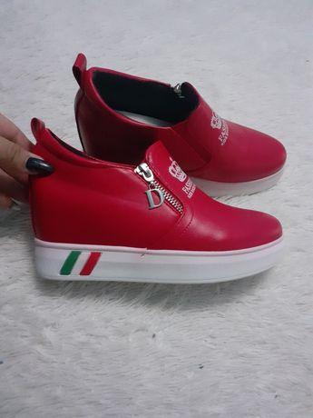 Новые ботиночки на скрытой платформе