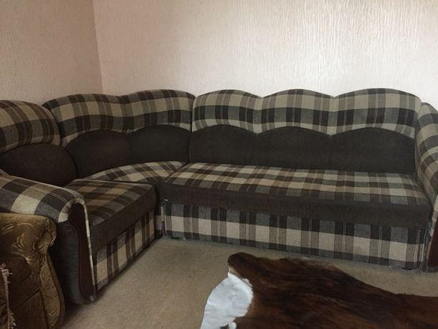 Продам угловой раздвижной диван,мягкий, в отличном состоянииу