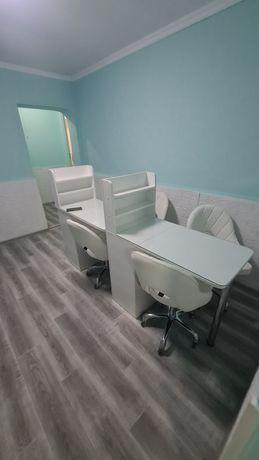 Сдам в аренду стол и стул для маникюра