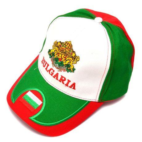 спортни шапки бяло зелено червено,шалчета българия и на футболни отбор