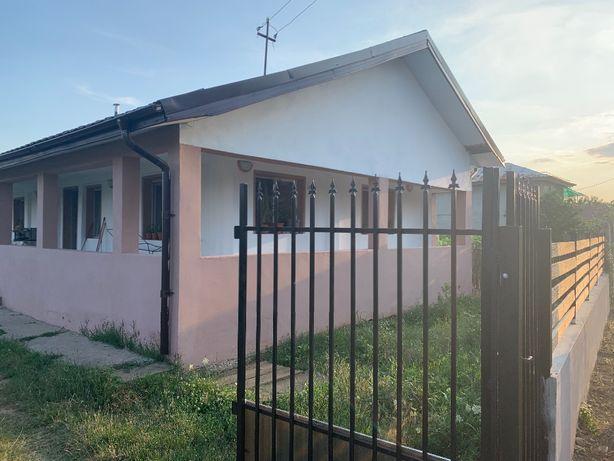 Vand casa 20km de Craiova 27500 Euro Negociabil