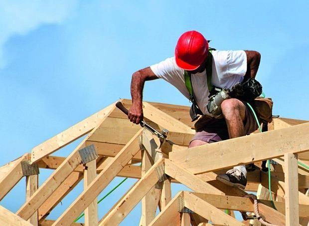 Reparatii acoperisuri - Montaj tabla acoperis - Mansardari case -tigla