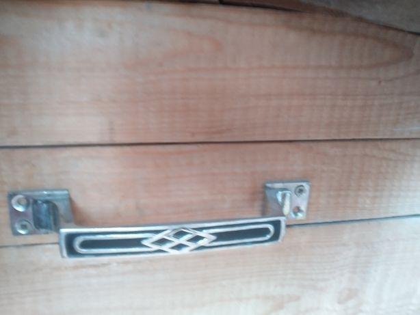 Сундук ручной работы из дерева