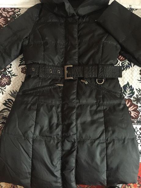 Продам куртку Zara черный напонитель пух