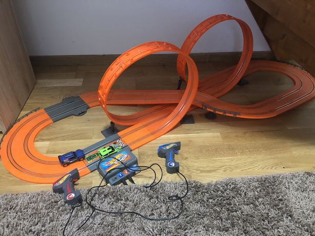 Circuit masinute electrice HOT WHEELS copii