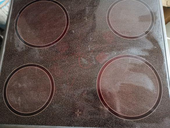 Фурна за вграждане с керамичен плот
