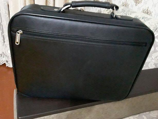 Продам   сумку-портфель для Ноутбука