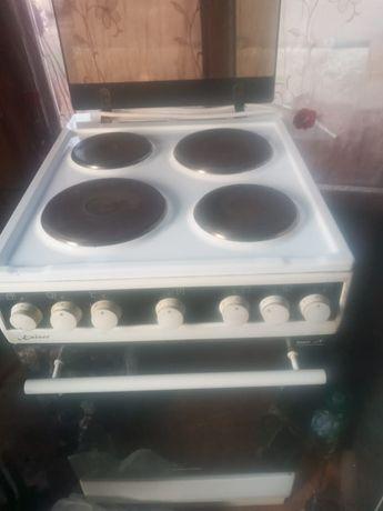 Срочно продаётся электро плита, всё в рабочем состоянии, цена 25000тг.