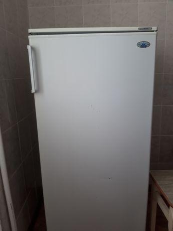 Холодильник атлант б/у в хорошем сострянии, радиатор