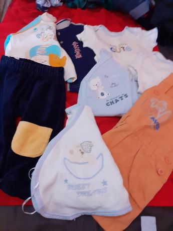 10 kg hainute bebelusi 3/6 luni la 100 lei