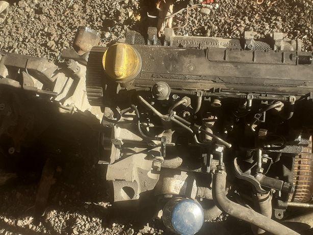 Vând motor Renault euro 3