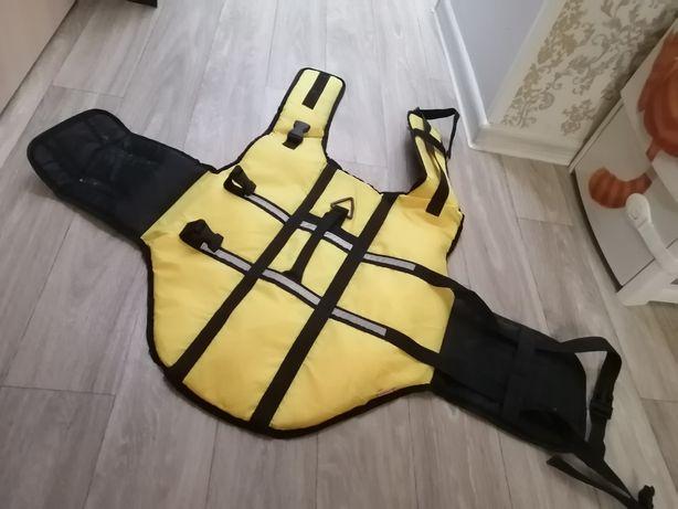 Продаётся собачий плавательный жилет.