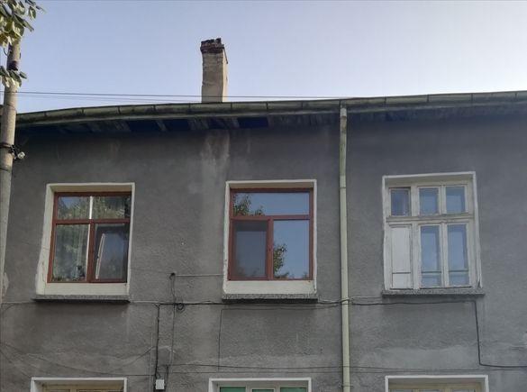 Продавам втори етаж от къща в гр. Червен бряг