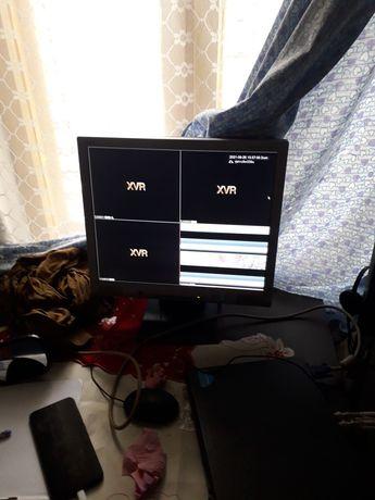 Vind monitor. Nu am la cel folosi