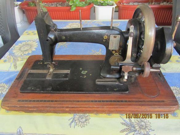 Стара и рядка шевна машина mertzanoff constantinople