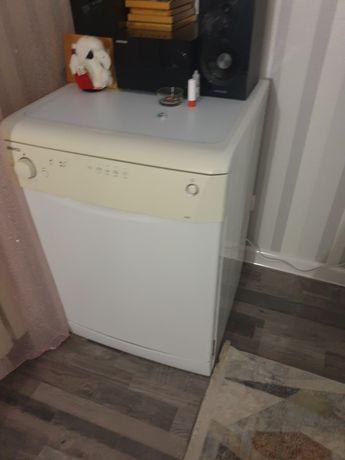 Продам посудомоечную машину в отличном состояии
