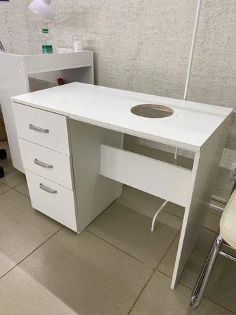 Продам маникюрный стол!