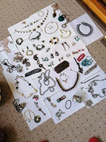 Vând toate bijuteriile din imagine