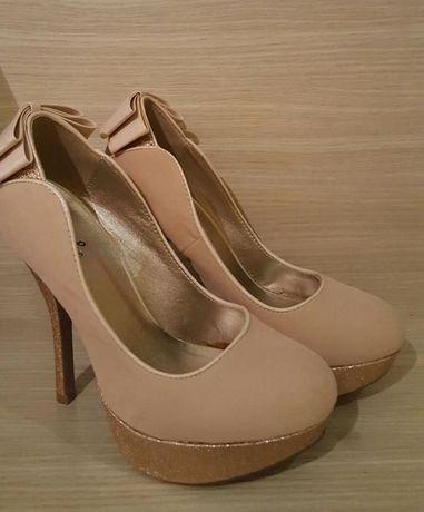 pantofi marime 38