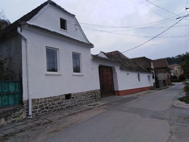 Vand casa, brutarie,/patiserie si afacere