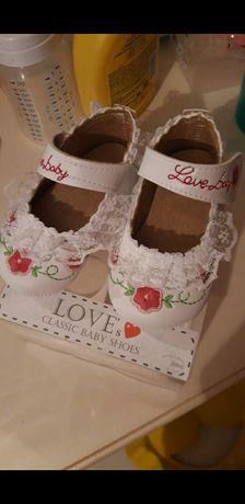 Обувь детская пинетки