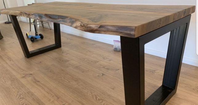 Masa lemn masiv nuc
