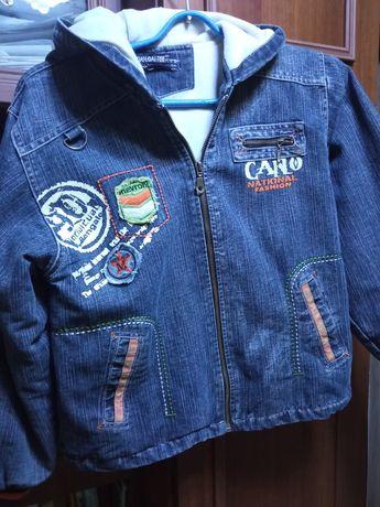 Джинсовая куртка для мальчика на 8-10 лет,в отличном состоянии