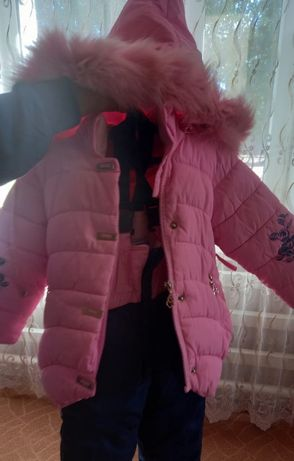 Женская дублёнку воротник песец размер 48..Детские куртки всё хорошо с