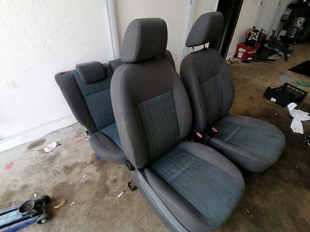 Interior complet Ford Focus 2 Sedan stare foarte bună