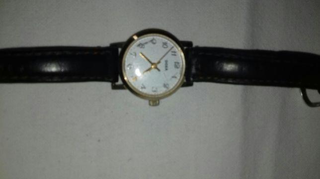 Vând ceas damă Doxa