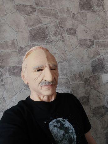 маска латексная новая