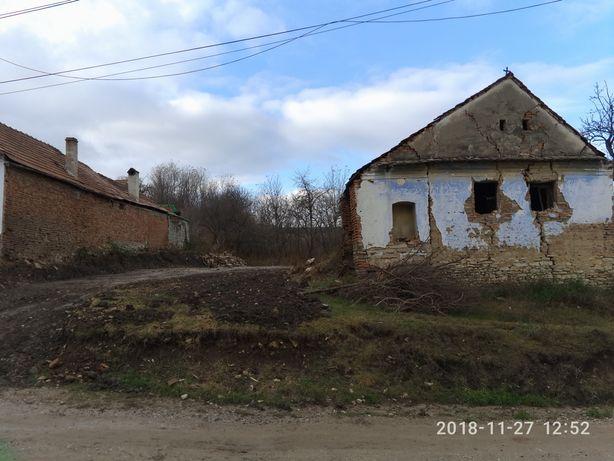 Vând casa veche pentru demolat și teren 1000mp