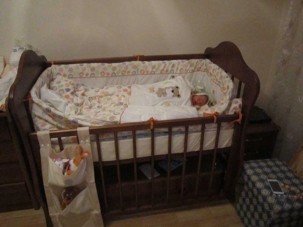 Детская кроватка с матрасом и бортиками деревянная Россия