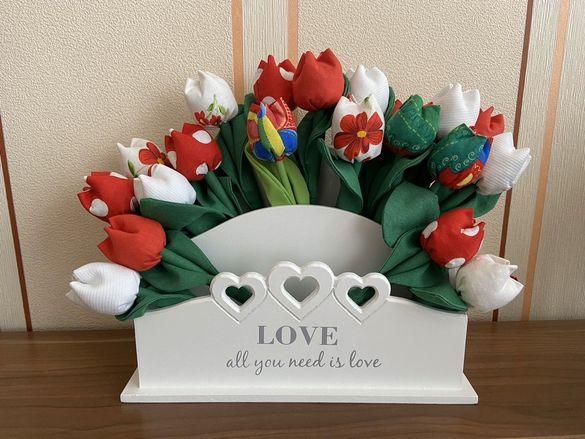 Лалета уникат-Св.Валентин, баба Марта, 8 март