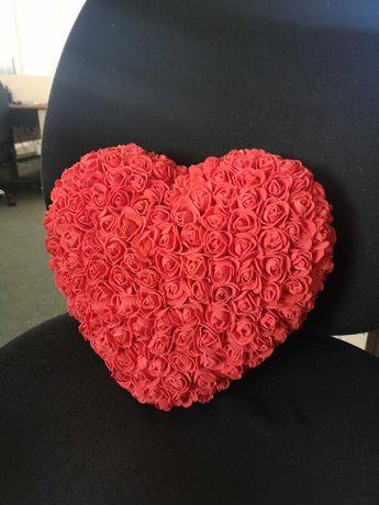 Сърце от вечни рози