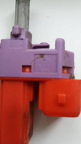 HELLA Comutator, actionare ambreiaj (comanda motor) OEN 98AB 7C534 AA