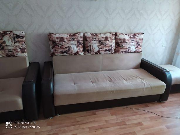 Продам кожаный, мягкий уголок, диван,кресло раздвижные, пуфик