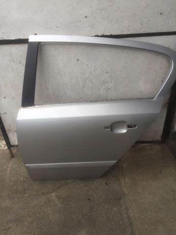 Usa stanga spate Opel Astra H - hatchback - z157