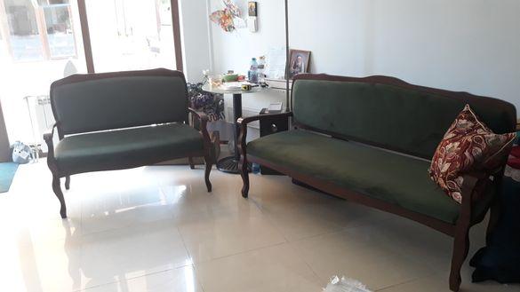 Антикварна Виенска мебел дивани (двойка и тройка) плюшена дамаска