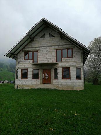Casa de vanzare + Teren 60 Ari  90.000€