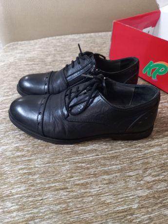 Продам детские кожаные туфли фирмы KPAFI
