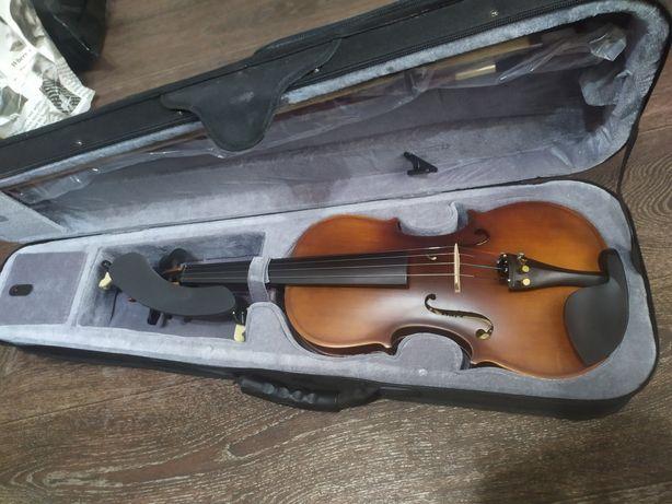 Скрипка практически новая