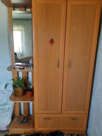Мебель кухинный,прихожка,умывалныйк,кухинный стенка,патставка