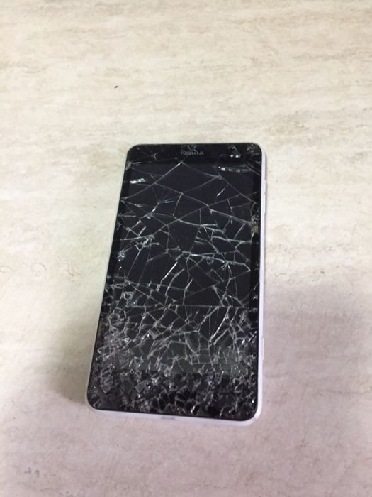 Nokia Lumia 625 Defect Iasi - imagine 1