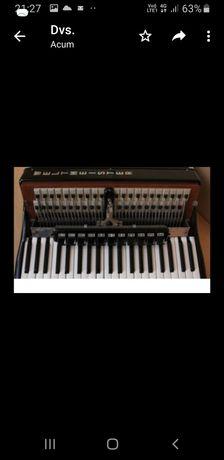 Vând acordeon weltmeister supita