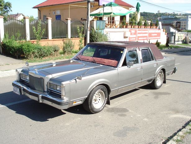 LINCOLN TOWN CAR vehicul istoric Inmatriculat Ro
