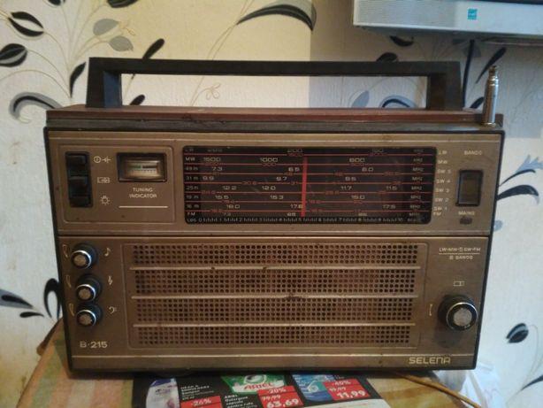Radio Selena B215