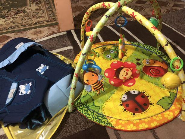 Сумка переновска и коврик с игрушками